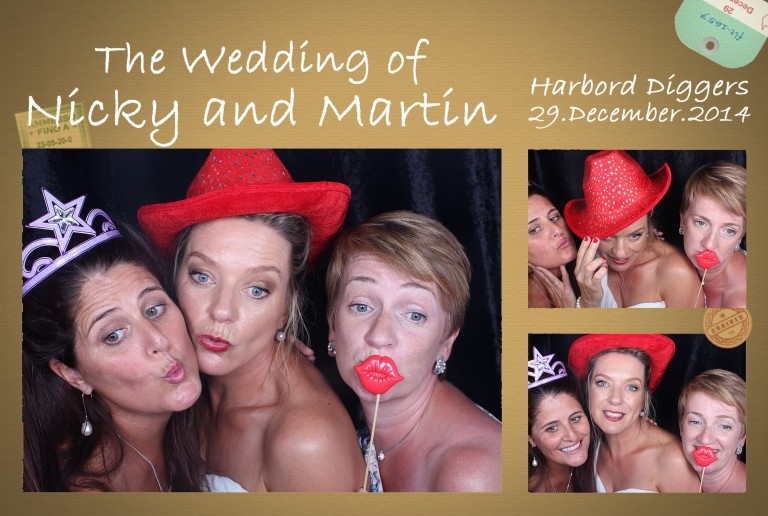 Photo strip Bride with Bridesmaids at Nicky and Martin Wedding